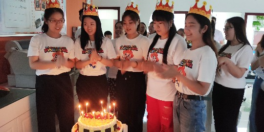 帮橙包装-温馨生日party